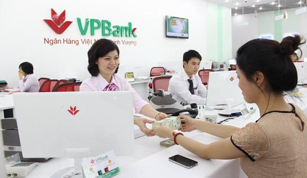Thẻ tín dụng Sacombank có rút tiền mặt được không, LƯU Ý quan trọng