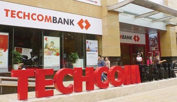 Lãi suất rút tiền từ thẻ tín dụng Techcombank, HỢP LÝ theo từng loại thẻ