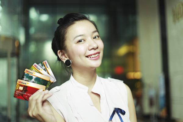 Lãi suất thẻ tín dụng HD Bank – số liệu rõ ràng, chính xác