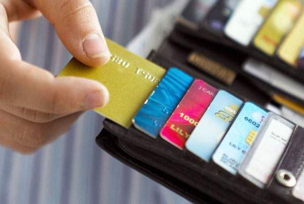 Phí chuyển đổi ngoại tệ thẻ tín dụng Techcombank