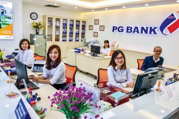 Thẻ FCard PG Bank; miễn phí phát hành, tích luỹ điểm thưởng dễ dàng
