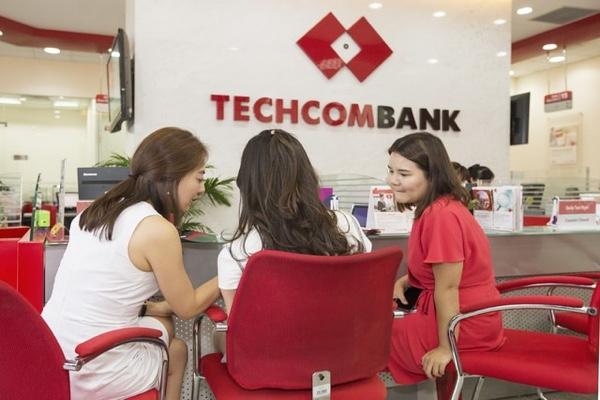 Mở thẻ thanh toán nội địa Techcombank F@stAccess; miễn phí dịch vụ E-banking