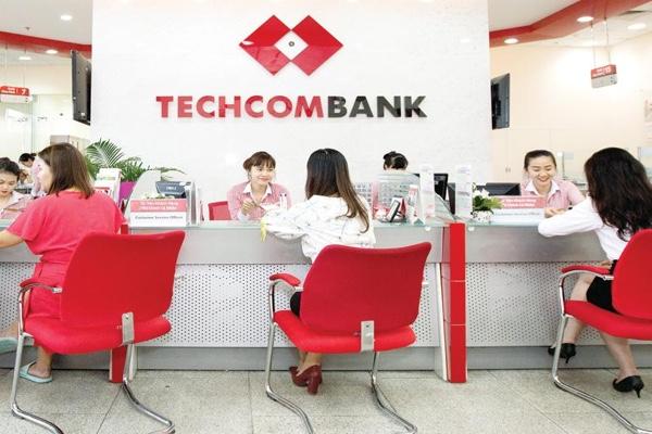 Thẻ thanh toán Techcombank Visa Priority; hoàn tiền 1%, ưu đãi dịch vụ hấp dẫn
