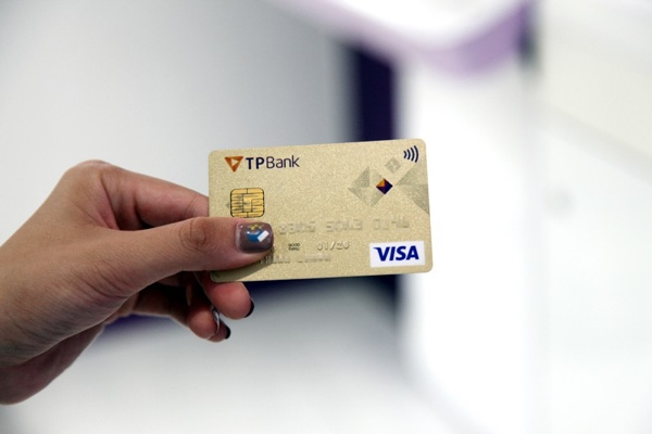 Thẻ tín dụng quốc tế TPBank Visa Chuẩn; miễn phí phát hành, ứng tiền 3.59%